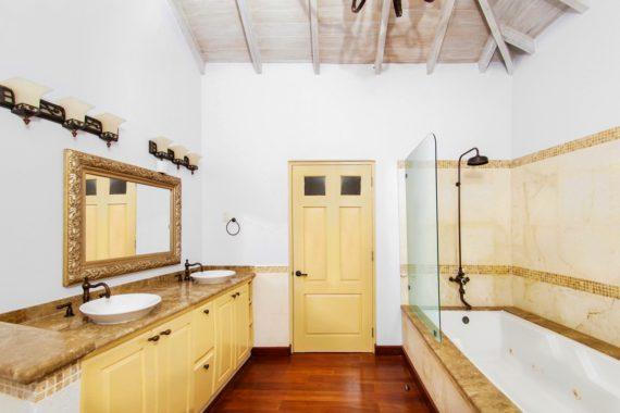 (15) Bedroom 1 Ground Floor-Bath (Copy)